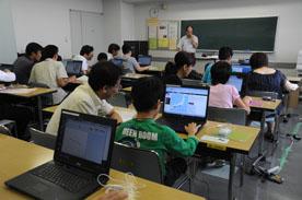 富士通マイクロソリューションズ協力の夏のPC講座